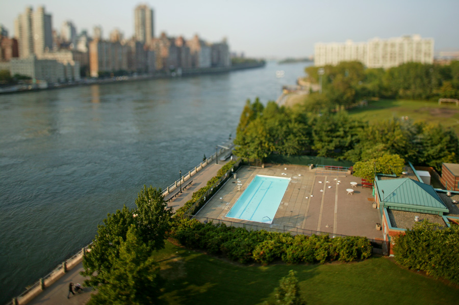 F1AV6470-767934 Roosevelt Island, NYC nyc