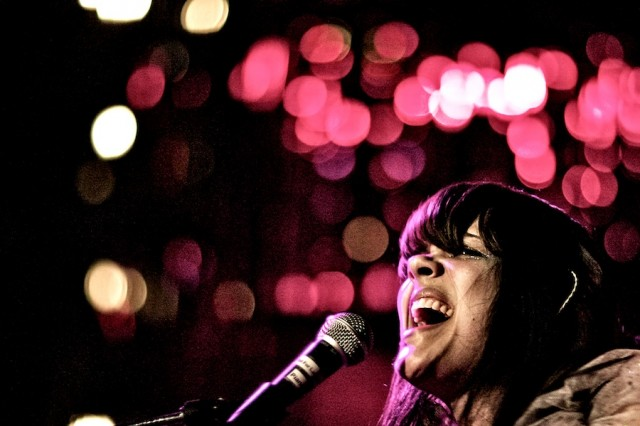bat-for-lashes-live-1