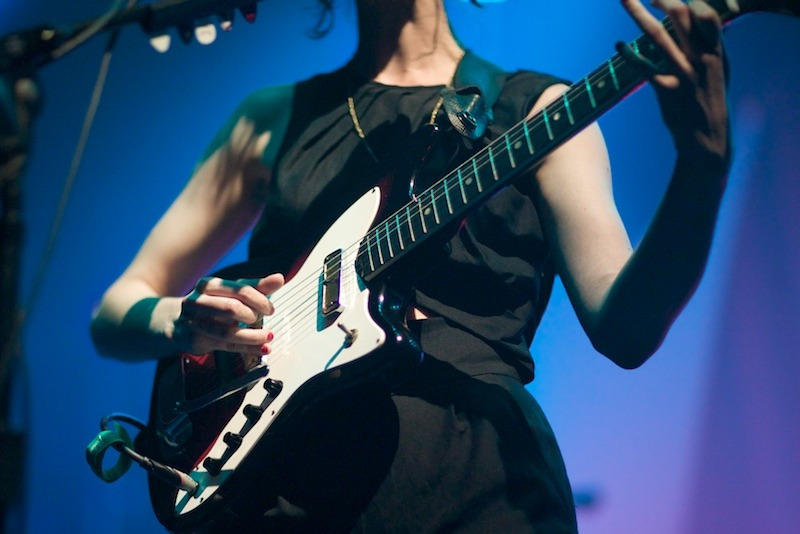st-vincent-annie-clark-live-photo-5 Annie Clark as St. Vincent webster hall st vincent bowery presents annie clark