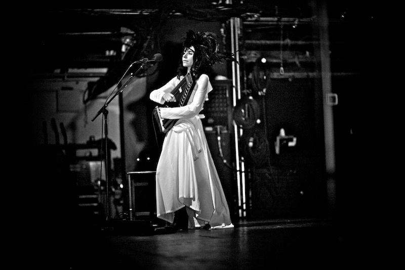 PJ-Harvey-Gregg-Greenwood-5 PJ Harvey terminal 5 pj harvey bowery presents