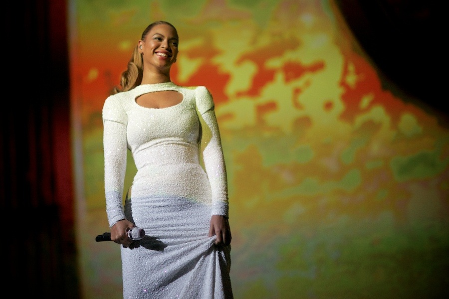 beyonce-gregg-greenwood-13 Beyonce united nations showcobra Beyonce