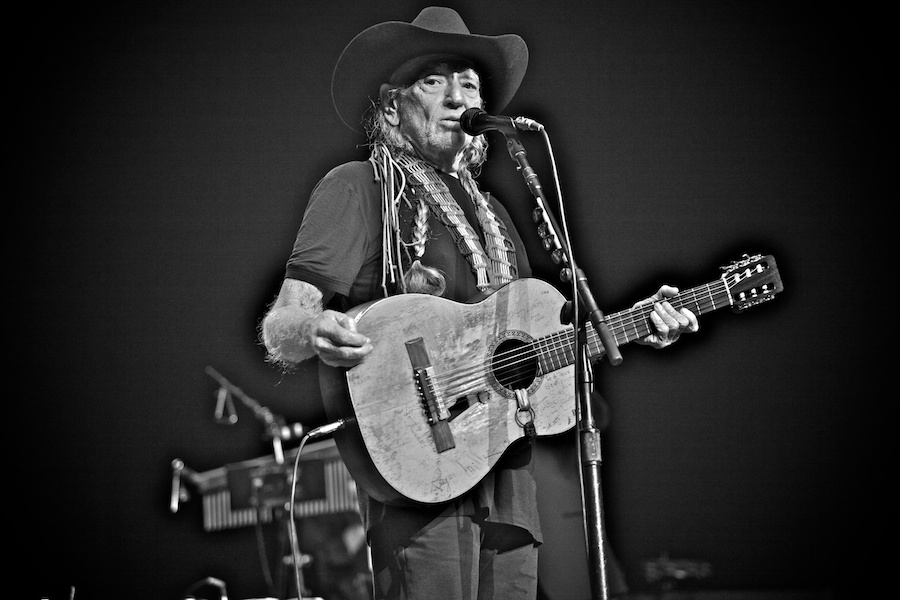willie-nelson-gregg-greenwood-3 Willie Nelson willie nelson showcobra radio city