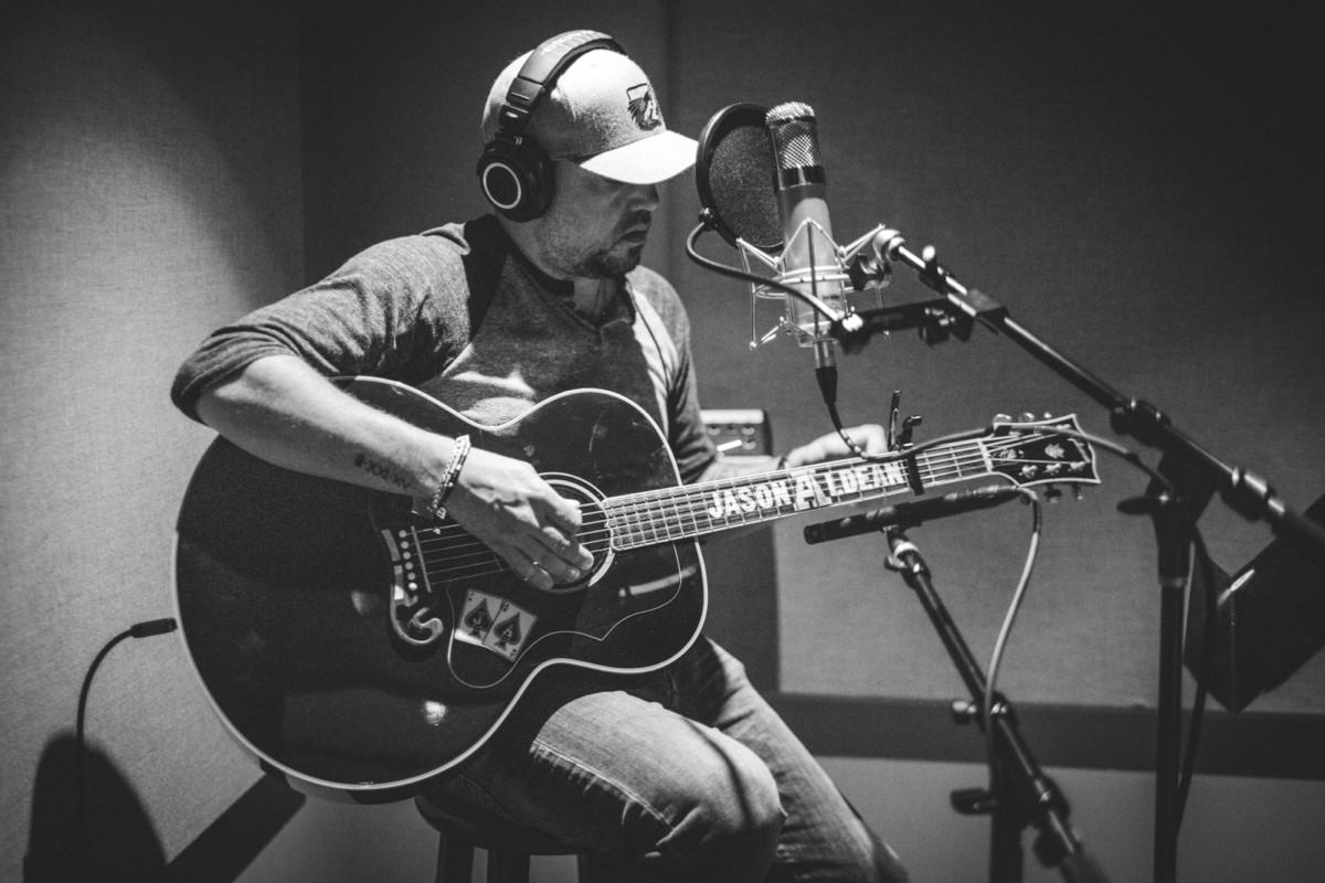 IMG_1056 Jason Aldean spotify singles spotify recording studio jason aldean